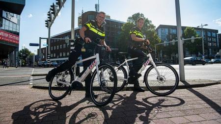 HOLANDA INVESTE NO POLICIAMENTO COM E-BIKES